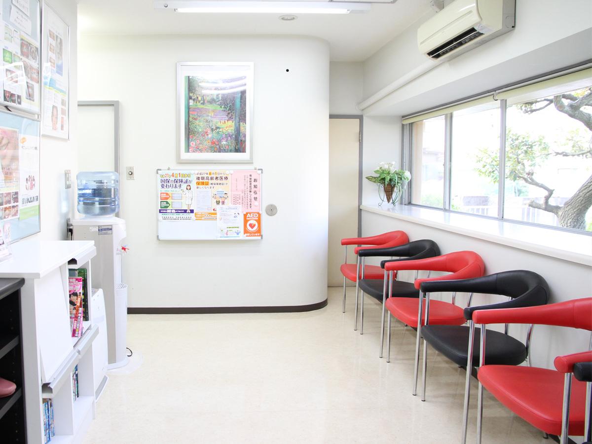 土浦市の歯医者、小杉歯科医院のの待合室